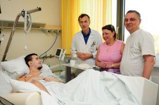 Антон с родителями и Кристофером Ранггером