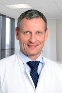 Михаэль ван Кампен, радиоонколог