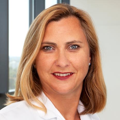 Сильвия Вайнер, врач-специалист в области бариатрической и общей хирургии